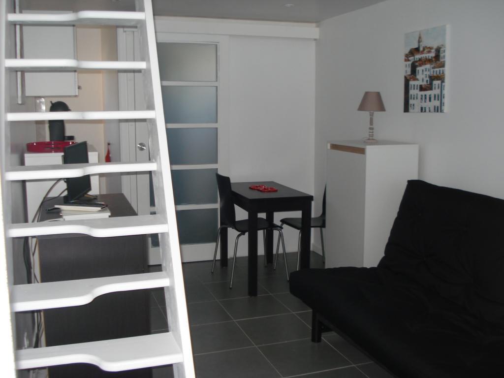 Location de particulier à particulier à Bormes-les-Mimosas, appartement studio de 18m²