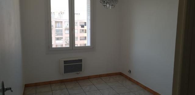 Location appartement T2 Marseille 10 - Photo 1
