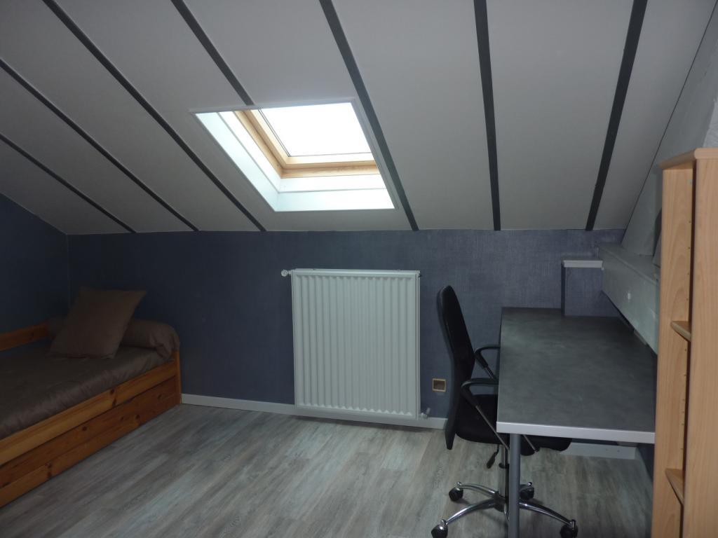 Particulier location, chambre, de 12m² à Ville-la-Grand