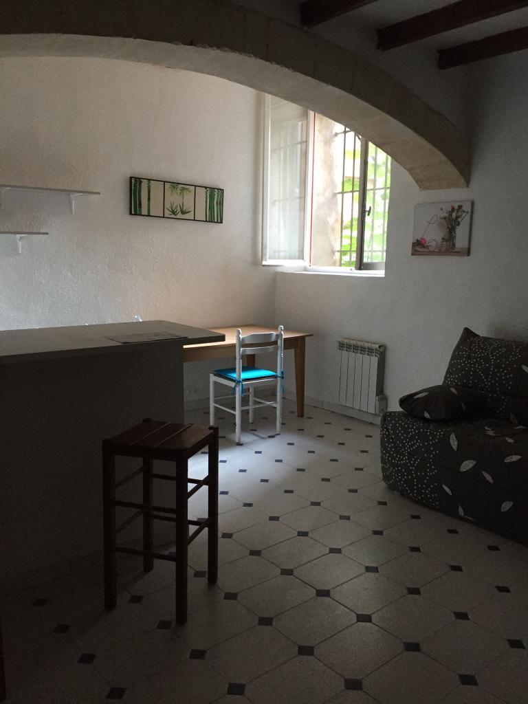 De particulier à particulier, studio à Arles, 26m²