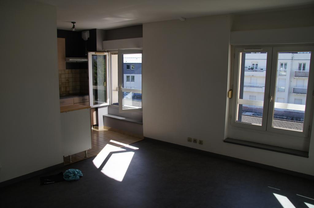 De particulier à particulier, studio à Pontault-Combault, 29m²