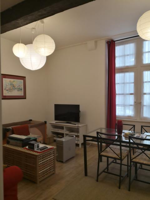 location studio bordeaux particulier. Black Bedroom Furniture Sets. Home Design Ideas