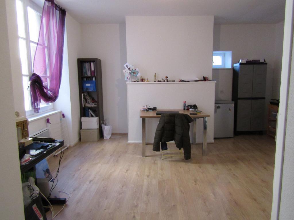 Particulier location, studio, de 36m² à Cellule
