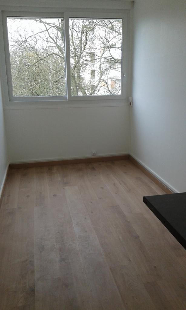 De particulier à particulier, chambre, de 11m² à Vaucresson