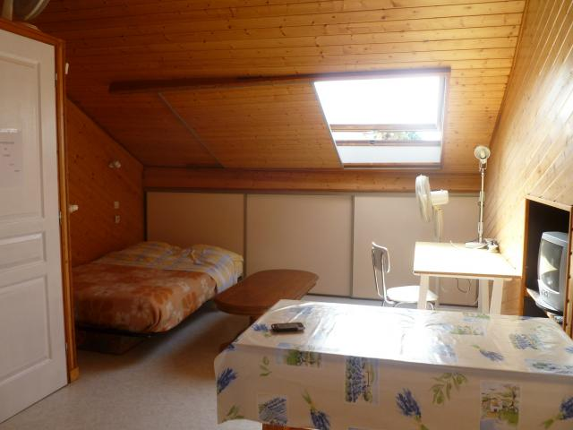 location chambre niort particulier. Black Bedroom Furniture Sets. Home Design Ideas