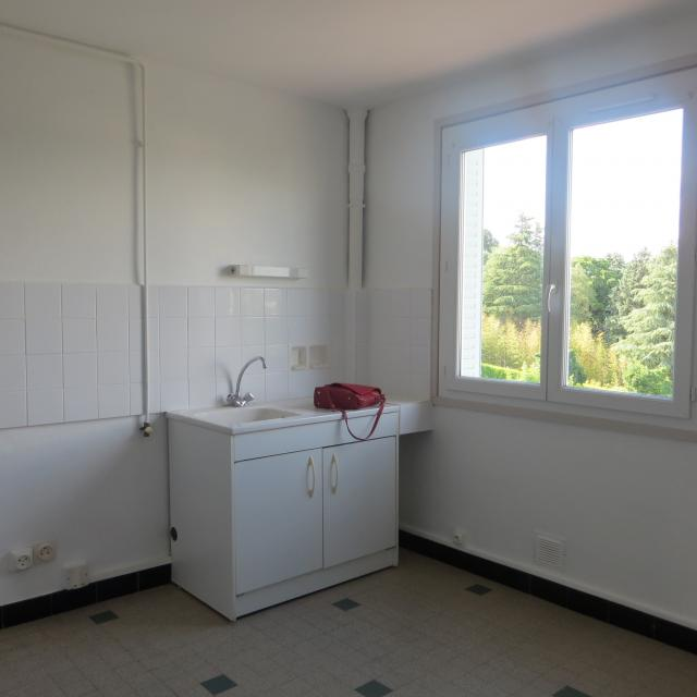 location appartement tassin la demi lune de particulier particulier. Black Bedroom Furniture Sets. Home Design Ideas