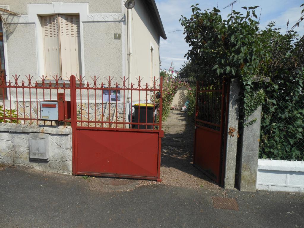 Appartement particulier à Saint-Éloi, %type de 20m²