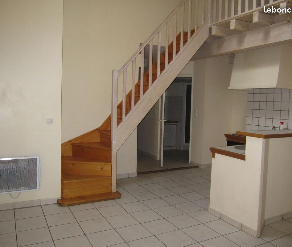 Location particulier à particulier, appartement, de 70m² à Valvignères