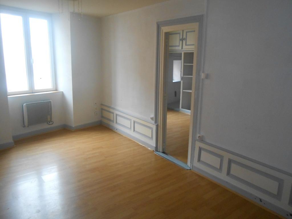 De particulier à particulier, appartement à Escoutoux, 74m²