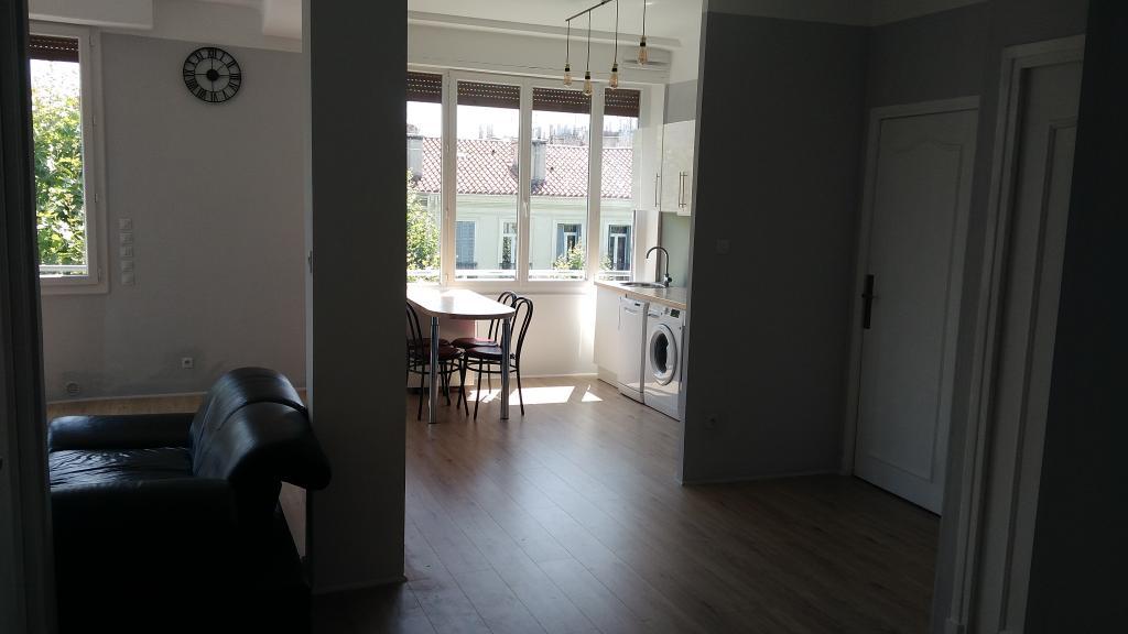 Appartement particulier à Marseille 02, %type de 75m²
