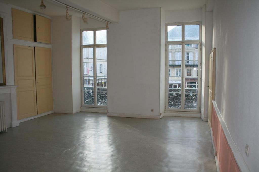 Particulier location, appartement, de 96m² à Domecy-sur-le-Vault