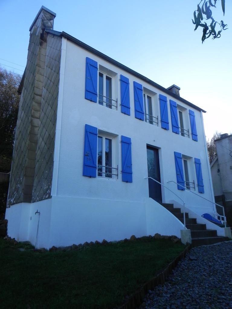 Entre particulier , maison, de 70m² à Plouédern