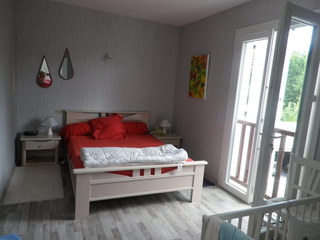 De particulier à particulier , chambre, de 14m² à Léognan