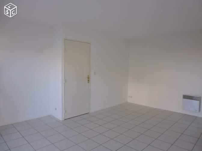 Location particulier à particulier, studio à Maillot, 38m²