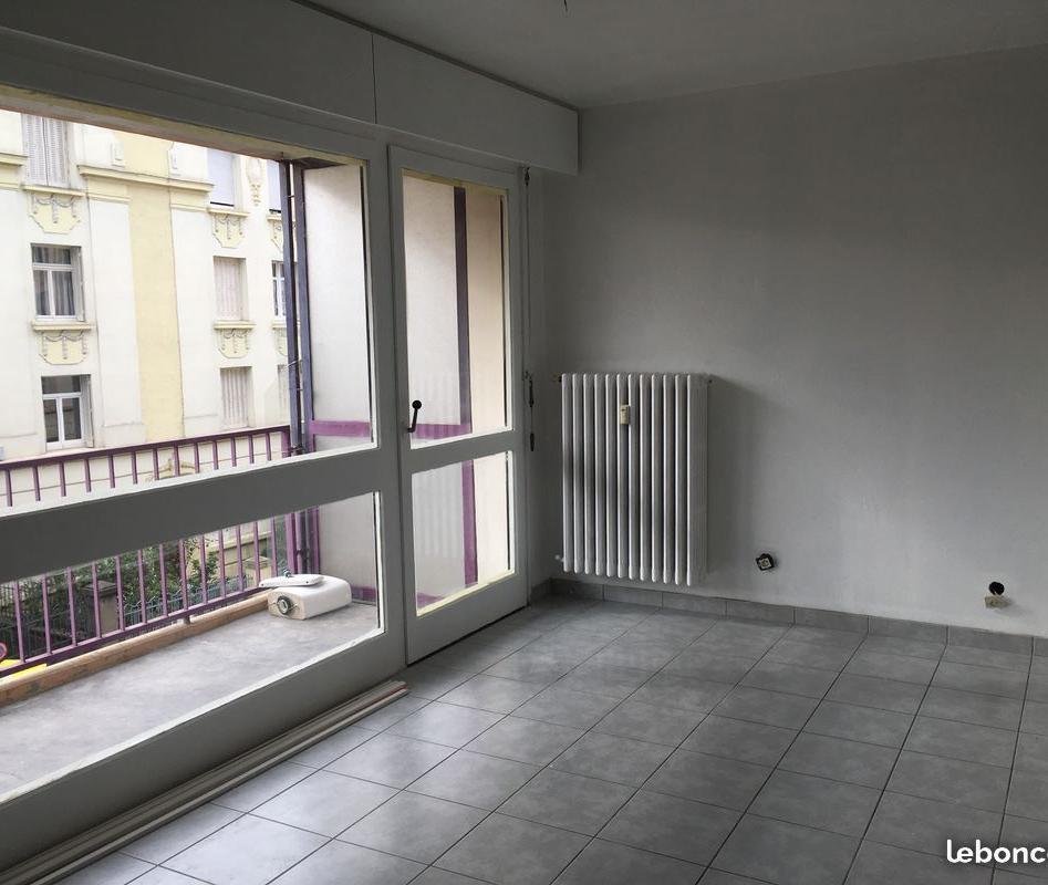 Entre particulier , studio, de 25m² à Metz