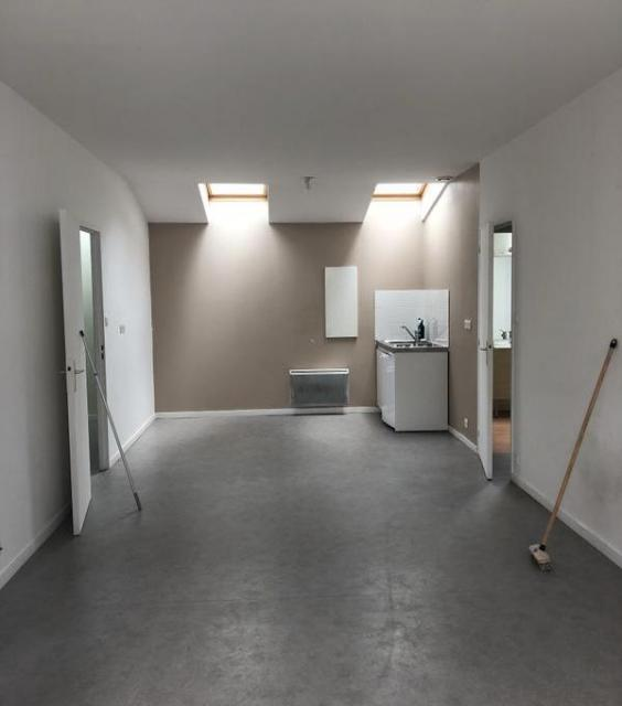 location finist re 29 de particulier particulier. Black Bedroom Furniture Sets. Home Design Ideas