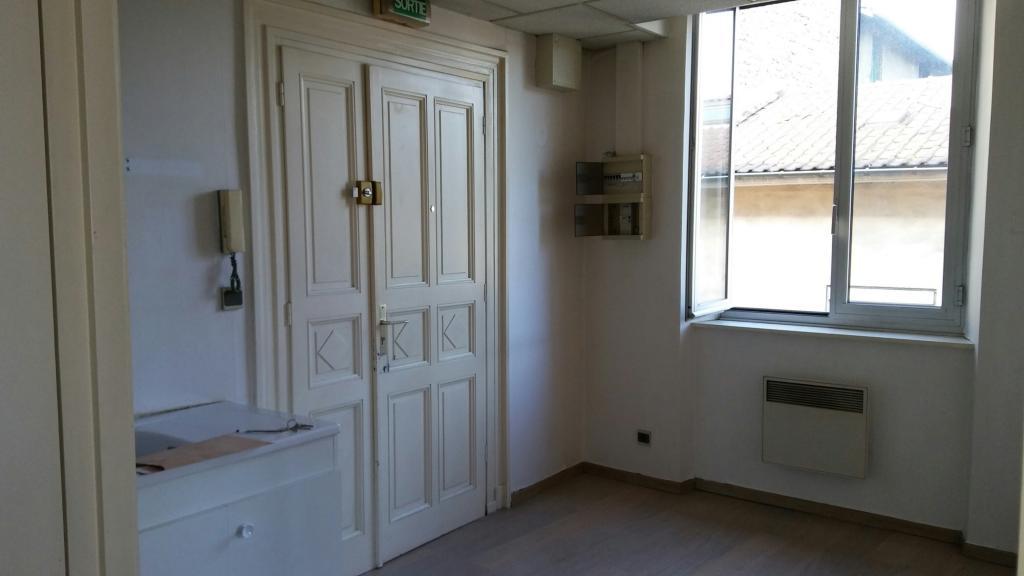 Location particulier à particulier, studio, de 32m² à Châteauvilain