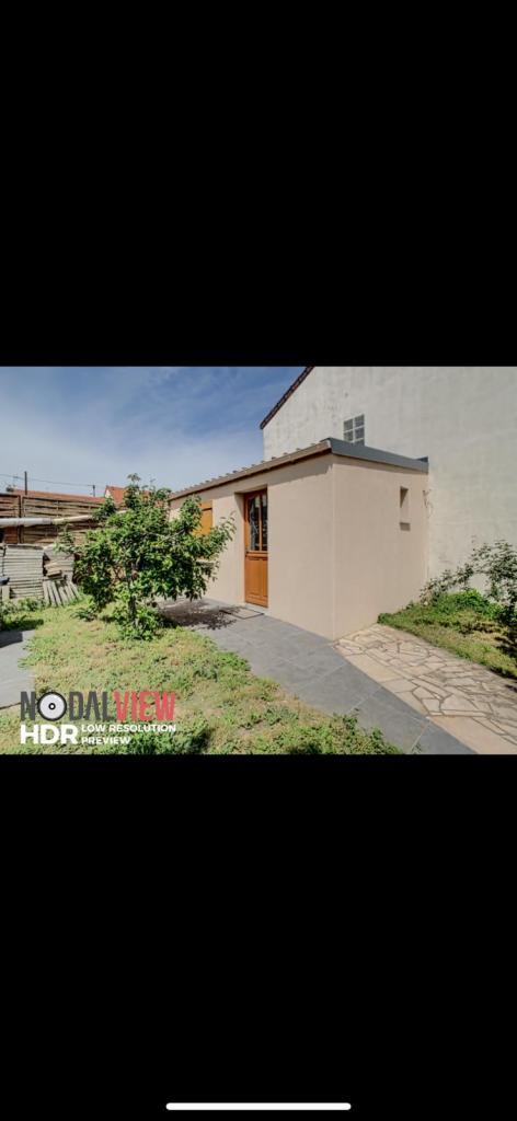 Appartement particulier à Villeneuve-le-Roi, %type de 12m²
