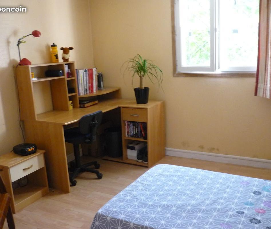 De particulier à particulier , chambre, de 15m² à Angoulême