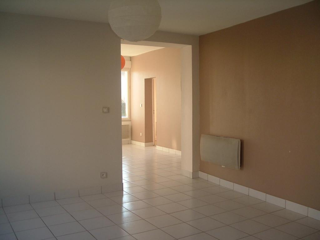 Appartement particulier, maison, de 108m² à Guîtres