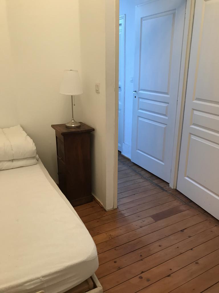 Appartement particulier, chambre, de 10m² à Neuvy