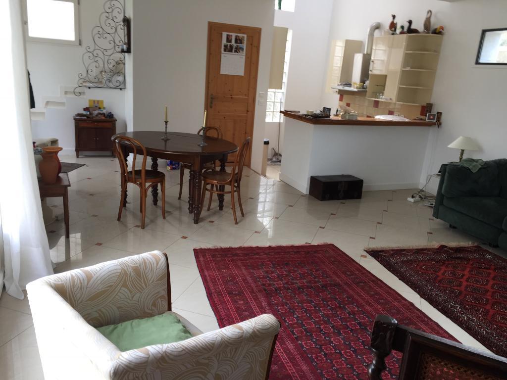 Appartement particulier, maison, de 80m² à Sèvres