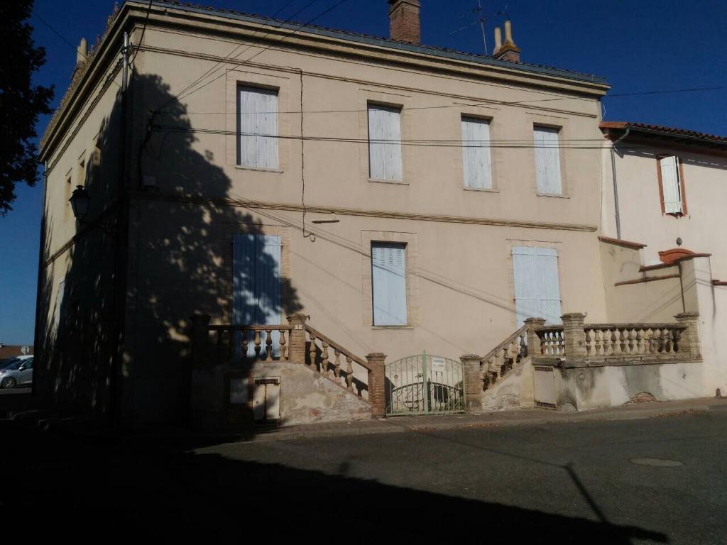 Appartement particulier, maison, de 239m² à Labastide-Saint-Sernin