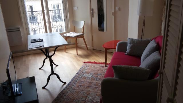 Location appartement T2 Paris 09 - Photo 1