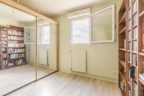 location appartement clichy de particulier particulier. Black Bedroom Furniture Sets. Home Design Ideas