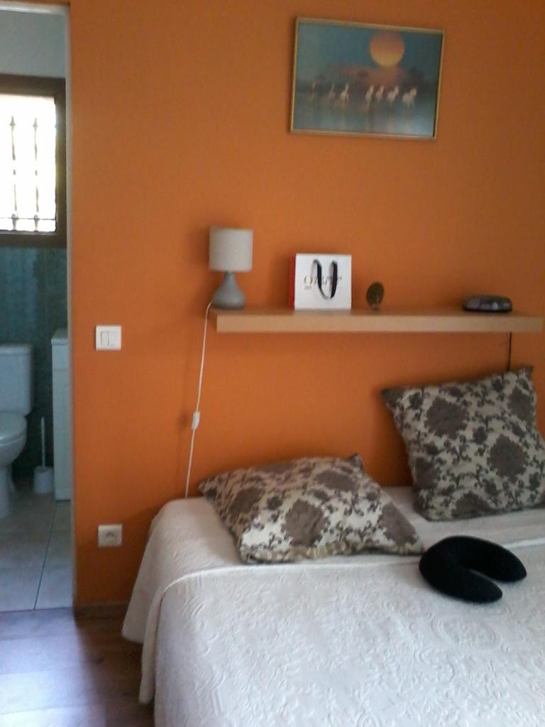 De particulier à particulier, chambre à Labastide-Saint-Sernin, 12m²