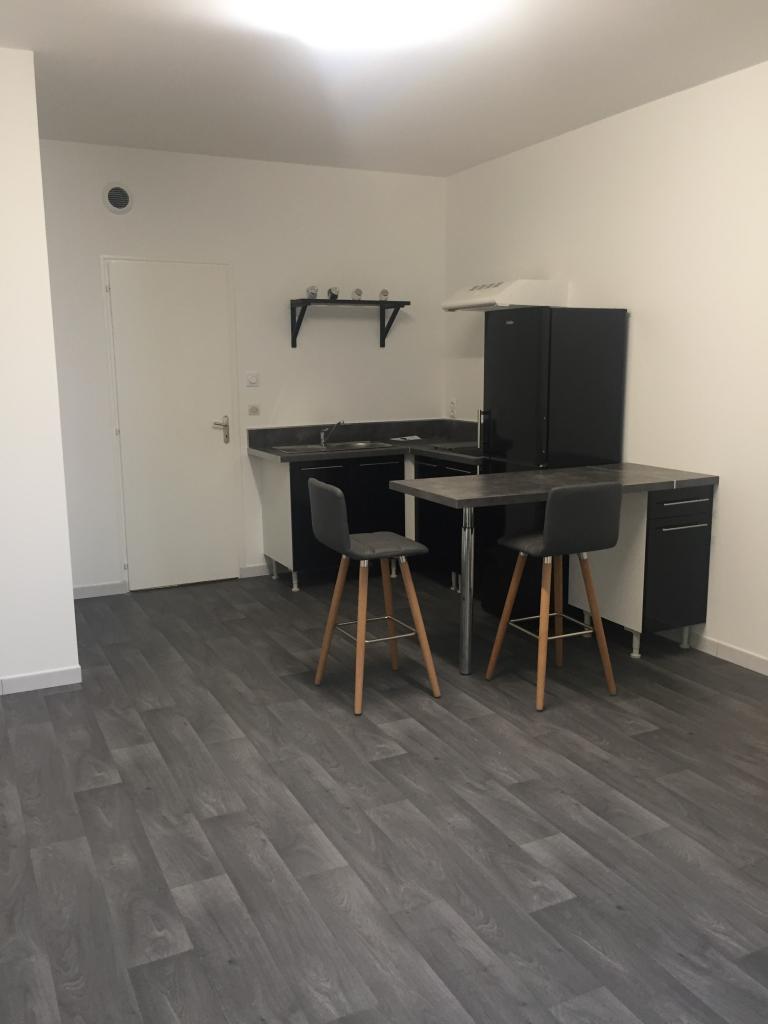Appartement particulier à Cholet, %type de 63m²