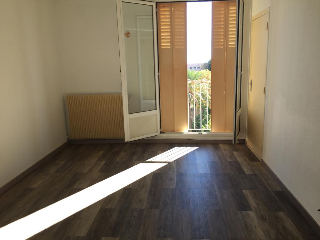 De particulier à particulier, appartement, de 60m² à Santa-Maria-di-Lota