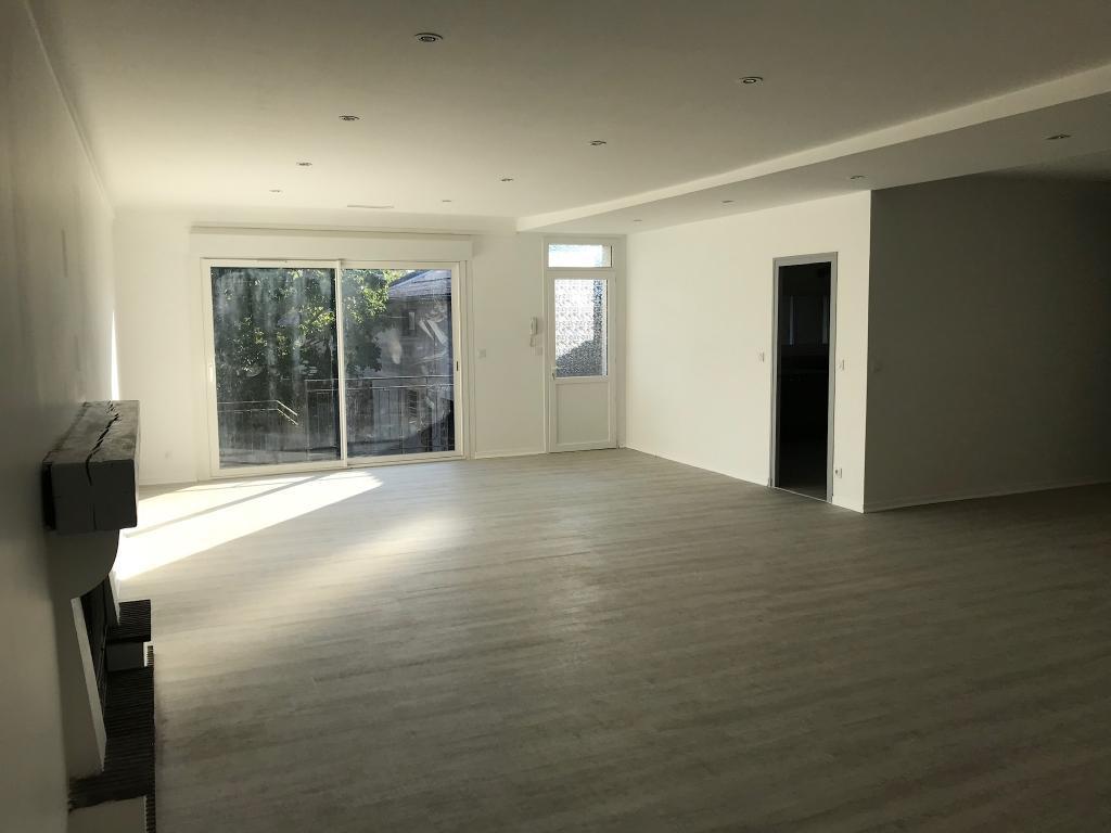 Appartement particulier à Castandet, %type de 180m²