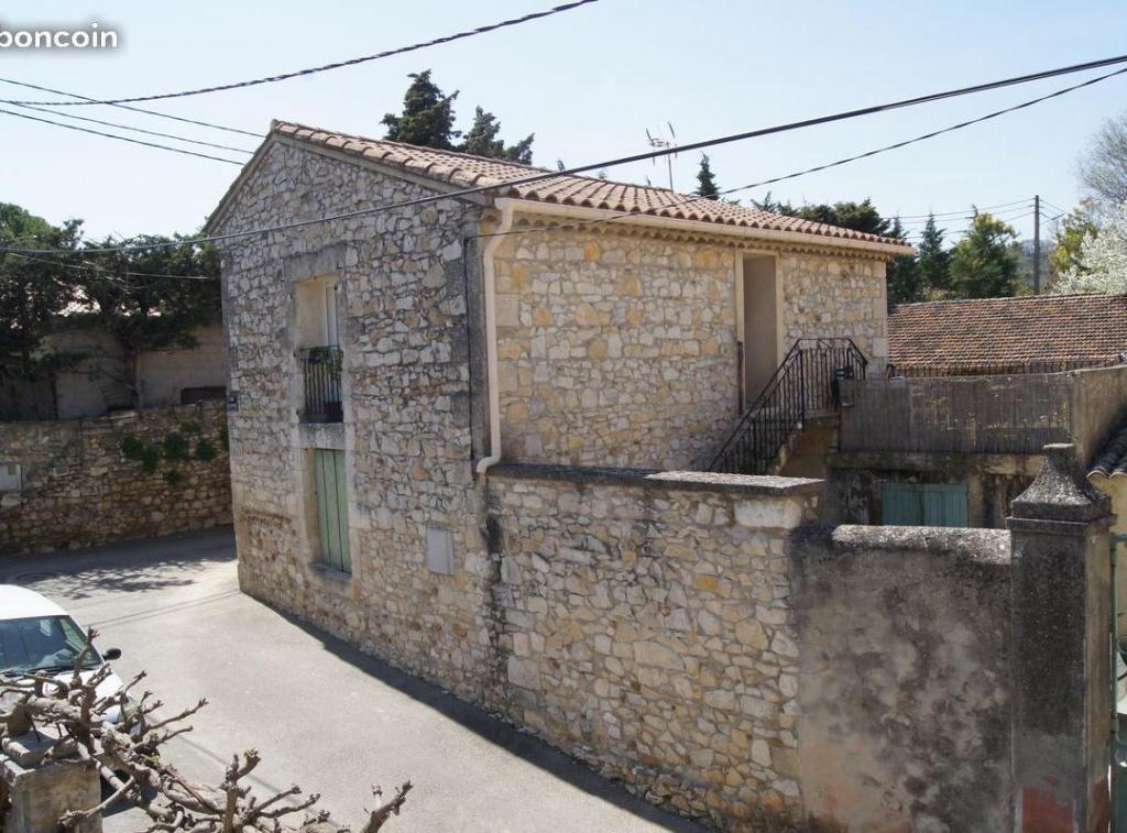 Location appartement entre particulier Rochefort-du-Gard, de 65m² pour ce maison