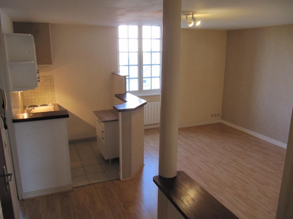 Location particulier à particulier, appartement, de 40m² à Saint-Sulpice-de-Pommeray