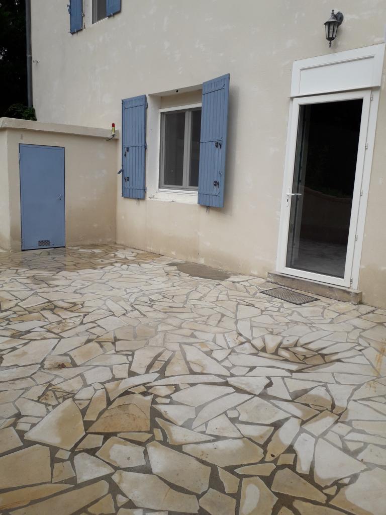 Particulier location Eyguières, maison, de 180m²