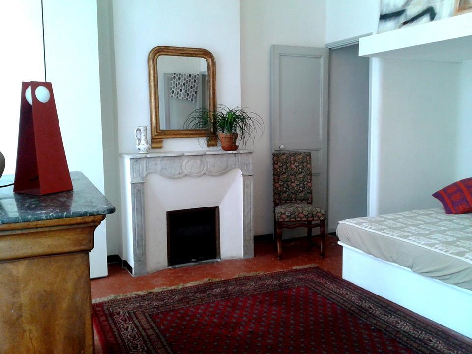 De particulier à particulier, chambre, de 25m² à Marseille 12