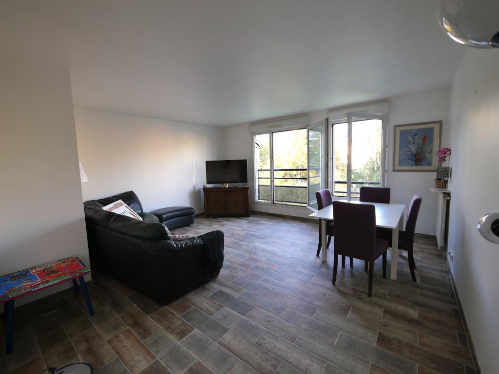 3 chambres disponibles en colocation sur Suresnes
