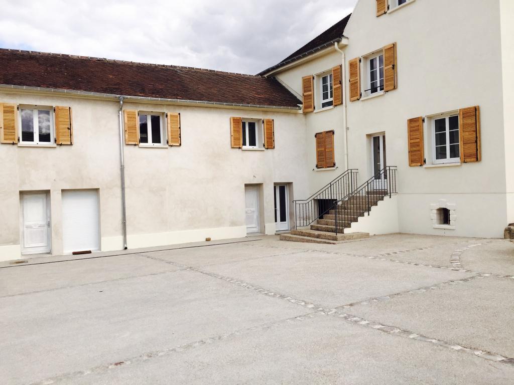Location appartement par particulier, maison, de 52m² à Plessis-Luzarches