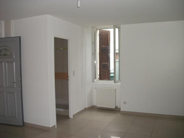 location de 2 pi ces entre particuliers tarbes 430 40 m. Black Bedroom Furniture Sets. Home Design Ideas