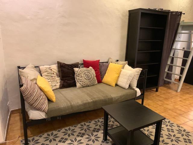 location de 2 pi ces meubl entre particuliers marseille 05 700 43 m. Black Bedroom Furniture Sets. Home Design Ideas