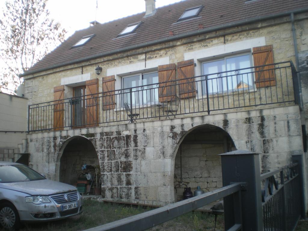 De particulier à particulier, maison, de 100m² à Villemontoire