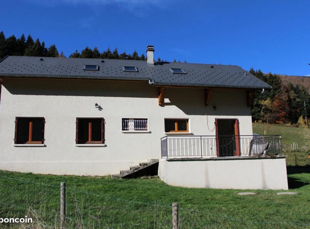 De particulier à particulier, maison à Saint-Jean-de-Couz, 140m²
