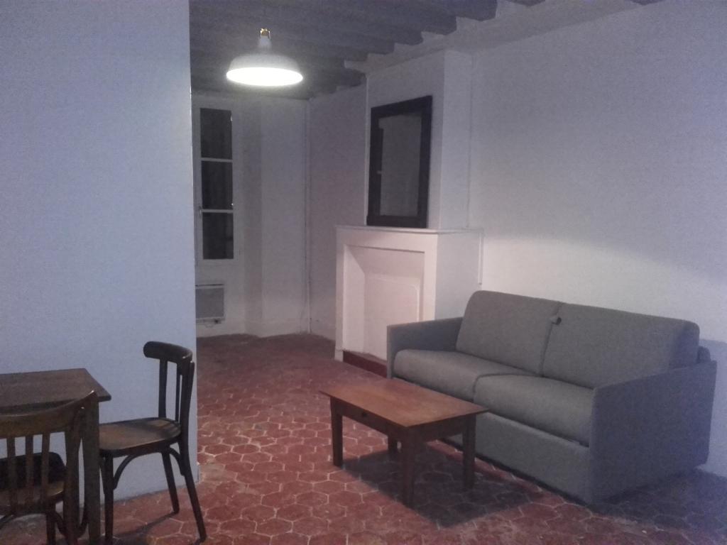 Location immobilière par particulier, Samois-sur-Seine, type studio, 25m²