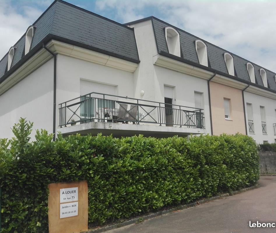 Entre particulier , appartement, de 105m² à Meuilley
