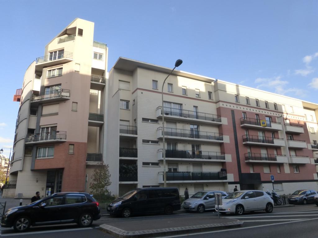 De particulier à particulier Courbevoie, appartement studio, 24m²
