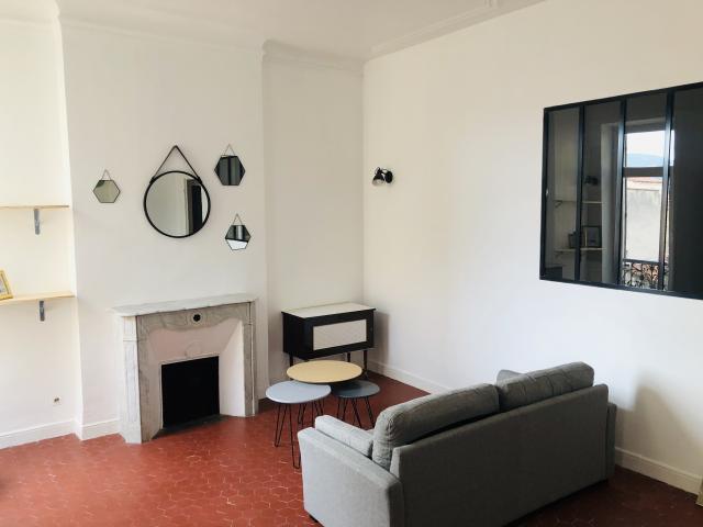 location appartement marseille 05 de particulier particulier. Black Bedroom Furniture Sets. Home Design Ideas
