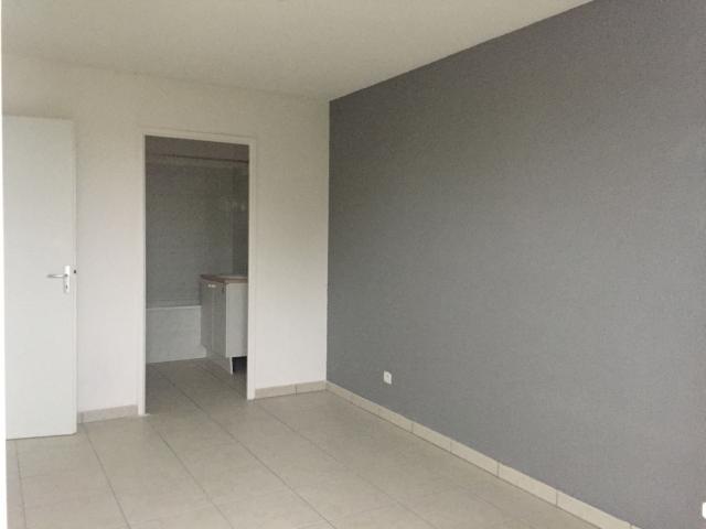 location d 39 appartement de particulier particulier. Black Bedroom Furniture Sets. Home Design Ideas