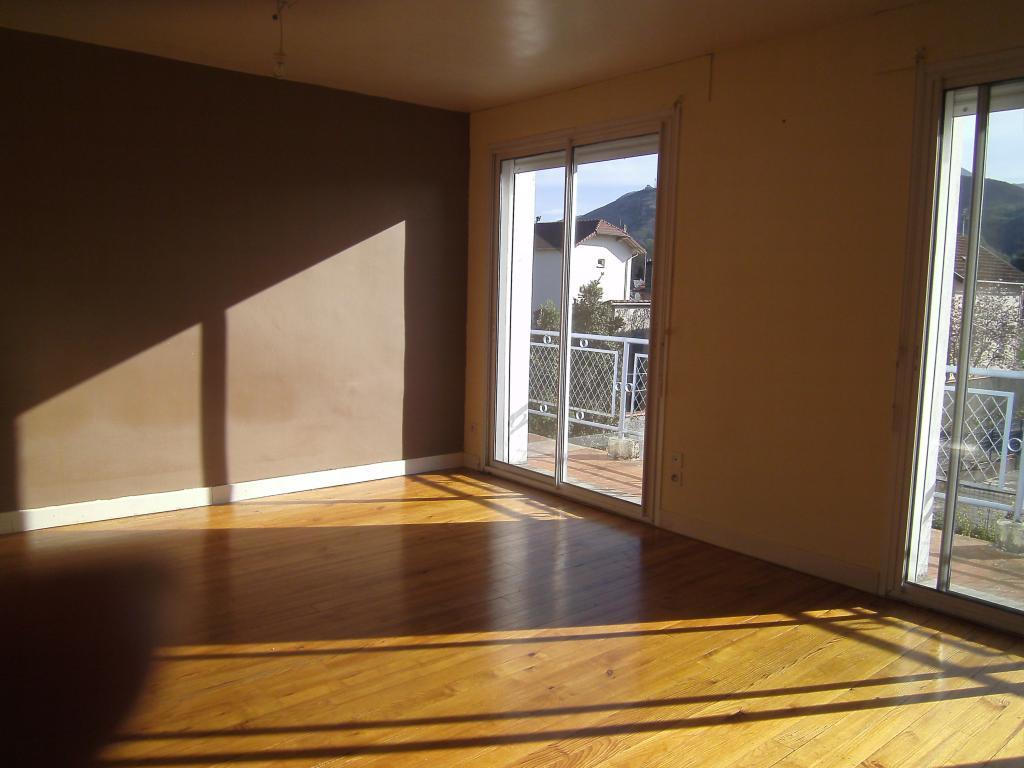Location de particulier à particulier, appartement, de 70m² à Sère-Lanso