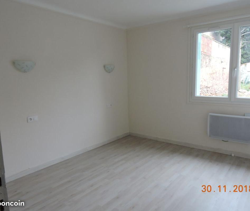 De particulier à particulier Bizanet, appartement maison, 80m²